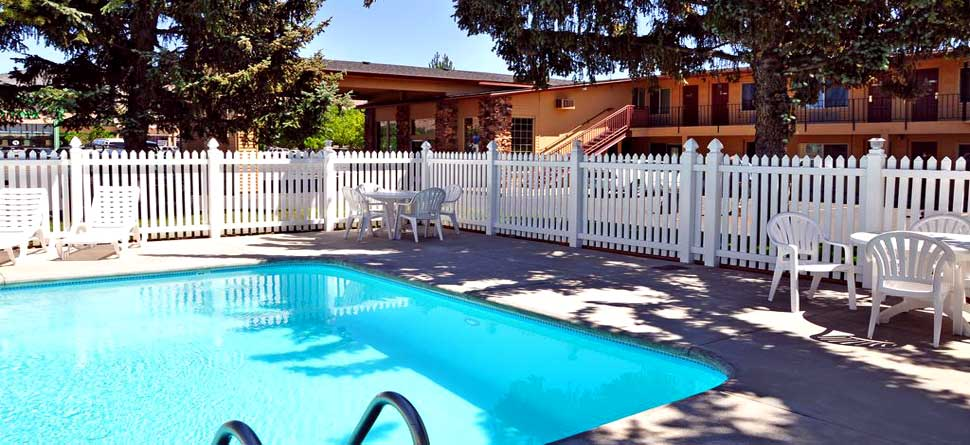 Clean Comfortable Accommodations Lodging Hotels Motels Cimarron Inn and Suites Crater Lake